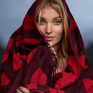 NWT! Victoria's Secret Red Lips Throw Blanket